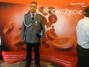 Dzielnicowy wyróżniony Odznaczeniem Honorowego Dawcy Krwi