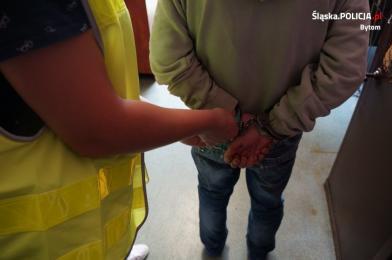 33-latek napadł na stróża parkingu
