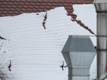 Usuń śnieg z dachu!