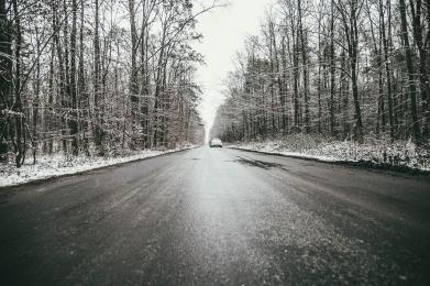 Ostrzeżenie przed opadami śniegu - możliwa gołoledź