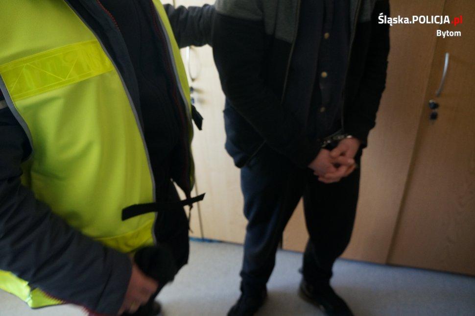 61-latek włamał się do swojego mieszkania, które wynajmuje 19-latkowi