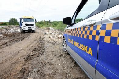 Wywóz nielegalnych odpadów - kierowca złapany na gorącym uczynku