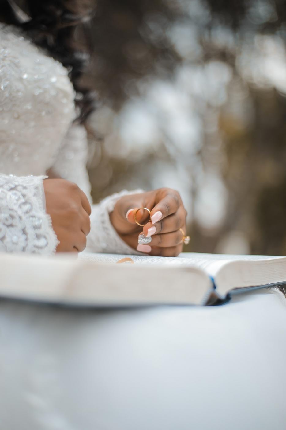 Czy suknia ślubna z długim rękawem, to dobry pomysł?